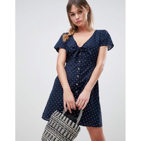 Abercrombie & Fitch Dresses & Skirts - Abercrombie & Fitch Blue Polka Dot Dress Medium